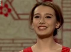 2015北京卫视元宵晚会 闫佳宝搭档洋妞Tina表演相声《羊年洋相声
