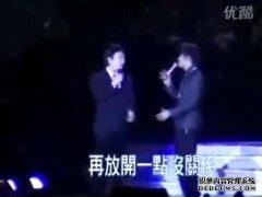 费玉清在周杰伦演唱会上讲的笑话段子《癞蛤蟆整容》