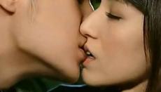 《爱情没有温差》郭采洁和乔任梁床吻戏