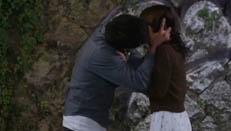 《群莺乱舞》郑少秋和关之琳吻戏